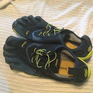 Vibram 5 finger shoes. Athletic footwear Size 10